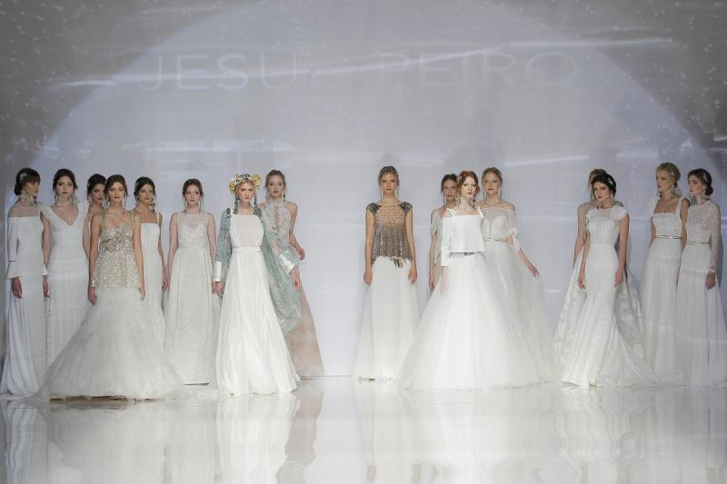 174894f53 Seguro que te habrás enterado de que la semana pasada fue la Barcelona  Bridal Fashion Week